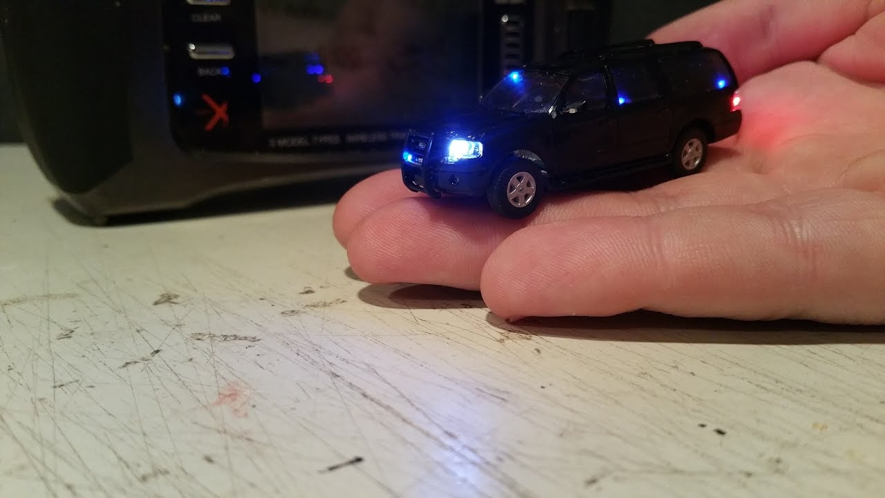 1 87 Ho Scale Rc Police Car With Working Lights And Siren