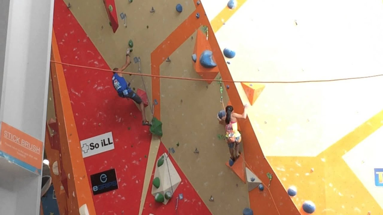 Ashima Shiraishi and Kai Lightner climbing at the 2015 ABS Nationals