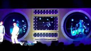 Travis Barker & Mix Master Mike - Jump Down (feat. The Cool Kids) (Live @ Nassau Coliseum) 3/27/11