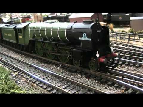 "Hornby Railroad ""Tornado"" Review-Model Railways 00 Gauge"