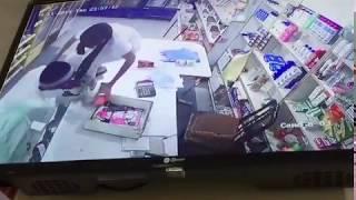 """""""شرطة الرياض"""" تطيح بشخصين لمشاركتهما في جريـمة سطو مسـلح على تموينات (فيديو)"""