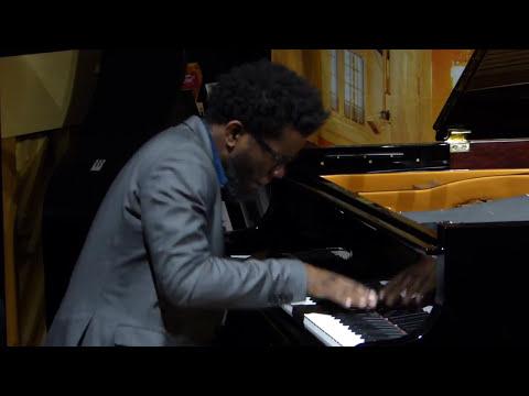 Aruán Ortiz & John Hébert & Gerald Cleaver - Klavierhaus Merta, Linz, Austria, 2017-10-08