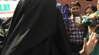 Video Dukhtaran-e-Millat's members protest against Asiya Andrabi's re-arrest in Kashmir download MP3, 3GP, MP4, WEBM, AVI, FLV November 2017