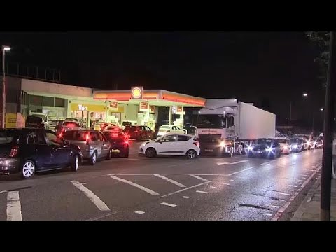 La crisis de transportistas deja sin combustible a las gasolineras del Reino Unido