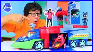 Download CATBOY HELPS RYAN'S MOMMY DEFEAT SCIENTIST ROMEO WITH PJ MASKS HEADQUARTER PLAYSET! Mp3 and Videos