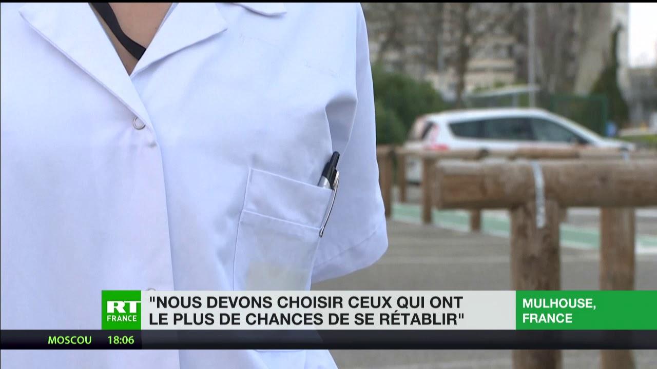 «Nous devons choisir ceux qui ont le plus de chances de se rétablir», témoigne une infirmière