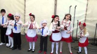 RUSSIAN INTERNATIONAL THEATRE SCHOOL RITS, Children dance BABUSHKA