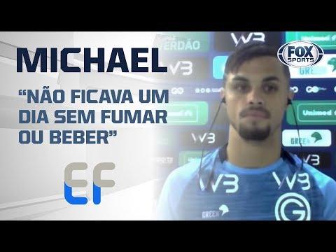 Michael chora muito com Edmundo ao vivo no 'Expediente Futebol' do FOX Sports