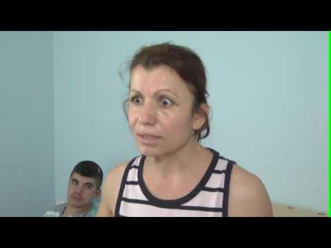 Ish-burri dhunues i kthehet në banesë, gruaja e dëshpëruar: Më tha dil në rrugë e na sill lekë