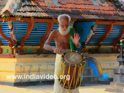 Kathi Thayambaka- Playing Drum with a Knife
