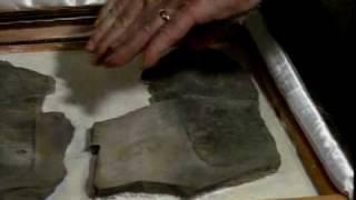 オーパーツ@三葉虫を踏んだ足跡の化石 thumbnail