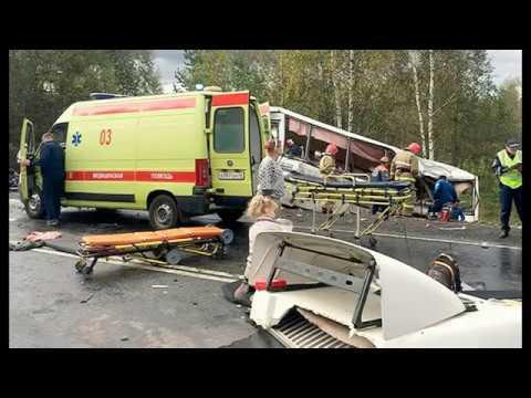 Лобовое столкновение пассажирского автобуса и фуры!