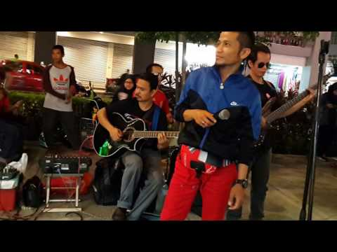 saiba-brother suara mantap feat Redeem buskers