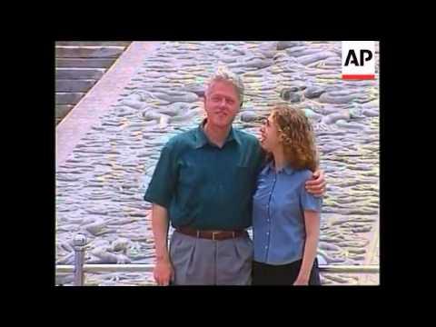 China - Clintons visit Forbidden City