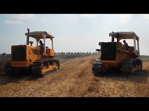 Plowing with Fiat-Allis 14b & 20