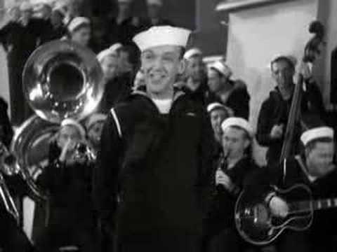 Клип Fred Astaire - We Saw the Sea