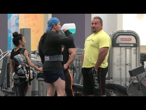 gym douche confronts powerlifter at the gym youtube. Black Bedroom Furniture Sets. Home Design Ideas