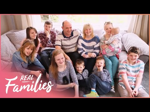 Dad Quits His Job To Look After Supersized Family | 16 Kids And Counting | Real Families