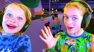 SIBLINGS ESCAPE DA PRISON IN ROBLOX w/ Le noci Norris