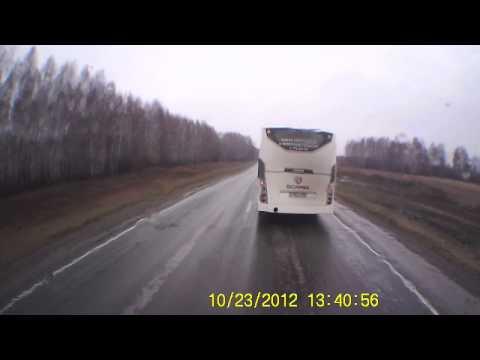 Автобус обнял фуру Авария!!
