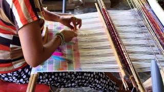 Songket Backstrap Weaving in Sinabun Bali INDONESIA シナブン村の機織り工房