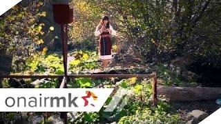 Stojne Nikolova - Reka gazi maloj mome