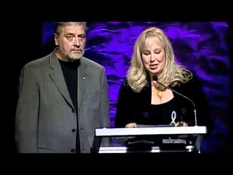 Diane Stevenett, presents Gene Lees Lifetime Achievement Award 2010