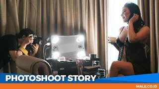 Video Canda Seksi di Behind the Scenes Photoshoot Model EVELYN - Male Indonesia download MP3, 3GP, MP4, WEBM, AVI, FLV Juni 2018