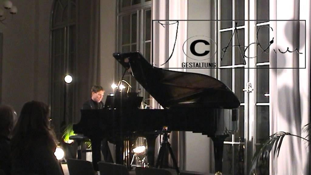 Pianist Lars Arnold spielt Lennons Imagine