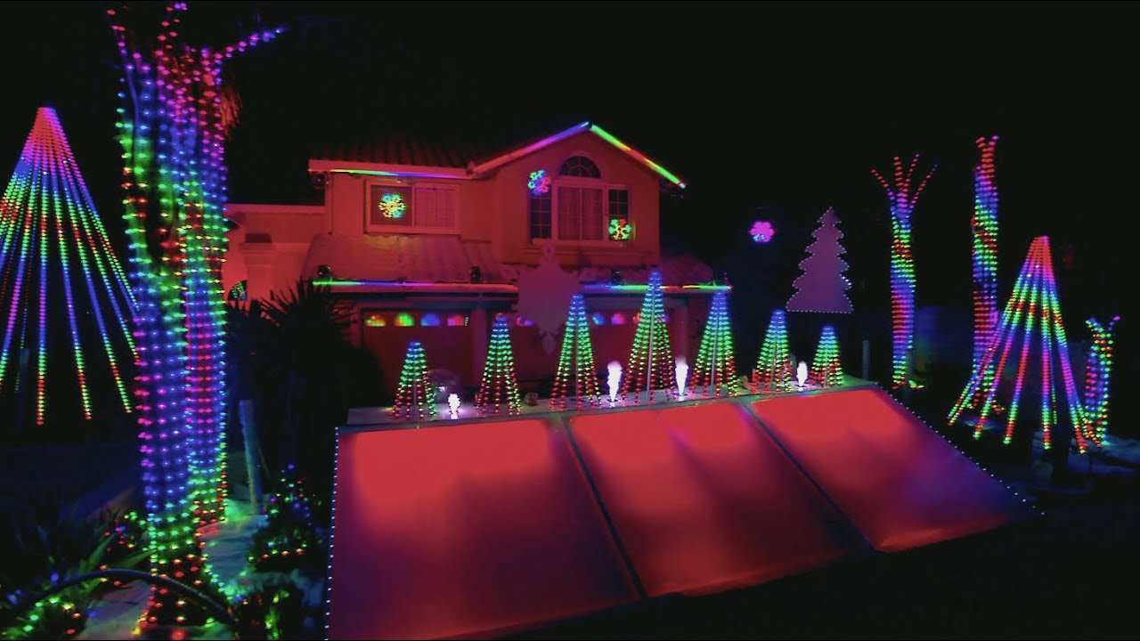 Winning Phipps Family Light Show - The Great Christmas Light Fight ...