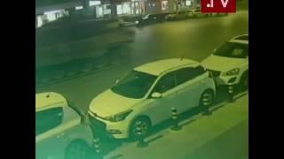 Crazy turkish tries to stop tanks