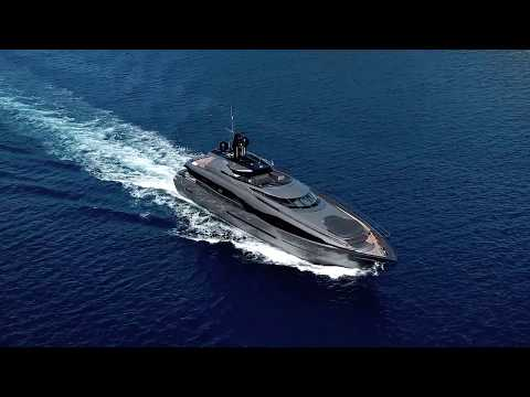 Luxury Motor Yacht FX 38 Available For 2018 Charter
