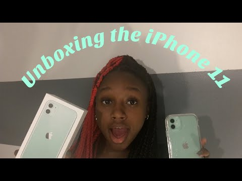unboxing-the-new-iphone-11-+-case