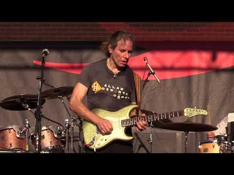 "Chris Duarte - ""Open Up The Back Door"" (Live at the 2017 Dallas International Guitar Show)"