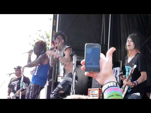 Blood on the Dance Floor - Ima Monster (HD) - Live at Warped Tour 2011 (Darien Lake) 7/12/11