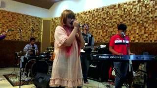 Black Paper Moon - Mae Shika Mukanee 「前しか向かねえ」AKB48 Cover