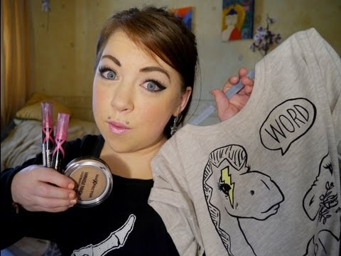 HUGE CLOTHES AND MAKEUP HAUL!