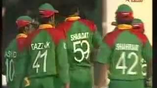 Shahadat Hossain hattrick ist bowler