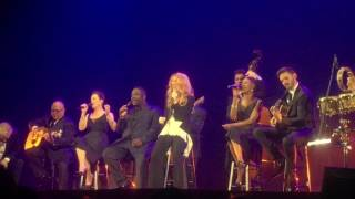 Watch Celine Dion Medley Acoustique video