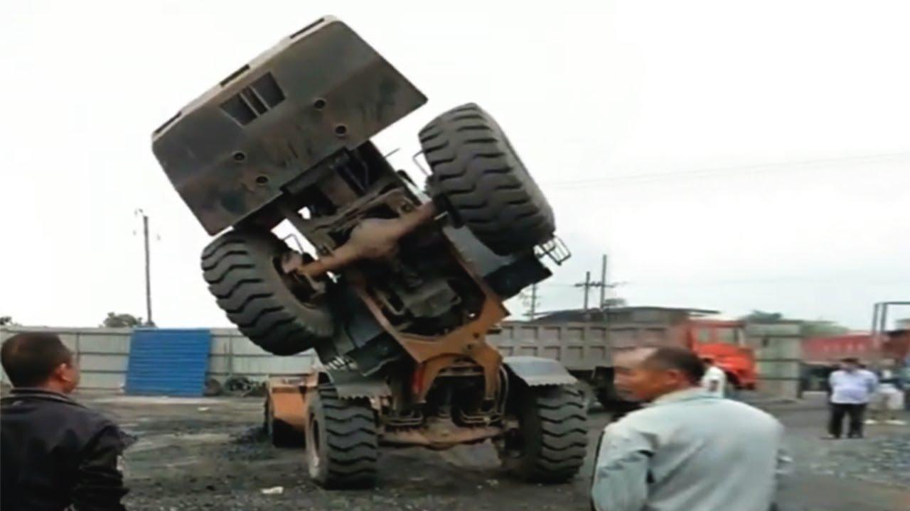 15 Dangerous IDIOTS Operator Incident Heavy Equipment Work - Dump Truck, Bulldozer, Excavator Fails