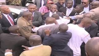 President Uhuru Kenyatta slaps rowdy man
