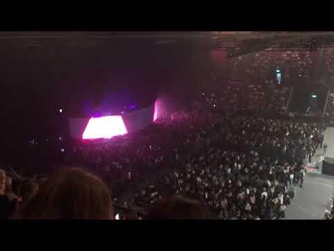 Olivia - One Direction , While Waiting For Harry Styles, Basel Switzerland, 11.03.18