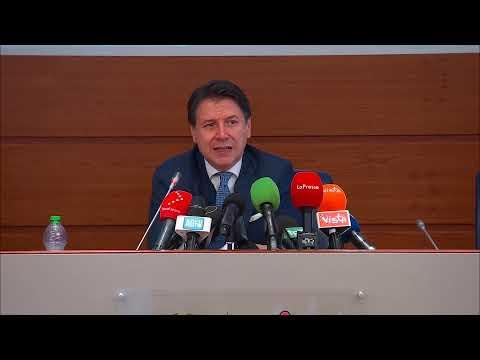 Conferenza stampa del Presidente Conte dalla Protezione civile