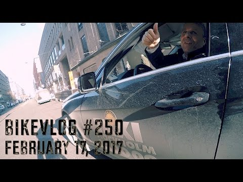 Bikevlog #250 - Taxi driver with good manners
