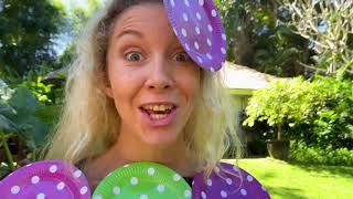 Лев и мама делают сами платья для вечеринки