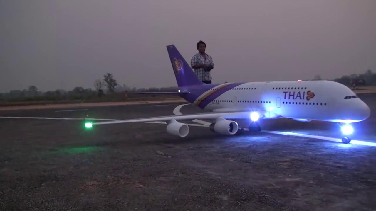 Trình diễn mô hình máy bay AIRBUS A380 LỚN NHẤT THẾ GIỚI│MÁY BAY MÔ HÌNH