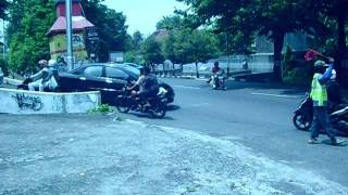 Video Pengedara Motor di Jl. Veteran Semarang. download MP3, 3GP, MP4, WEBM, AVI, FLV Desember 2017