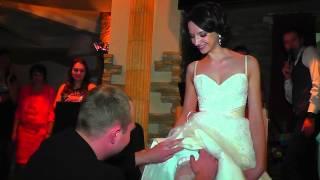 Download Свадебный букет и подвязка невесты Mp3 and Videos