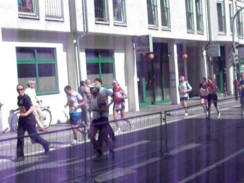 Marathon und Publikum in Freiburg 2011 Von SOLAR 32