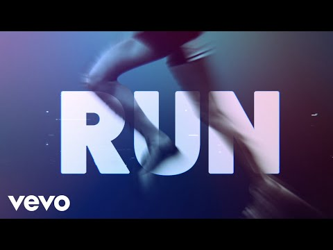 Lauren-Alaina-Run-Official-Lyric-Video